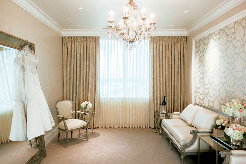 The complimentary Bridal Suite has plenty of comfortable dressing room for the bride and the wedding party.